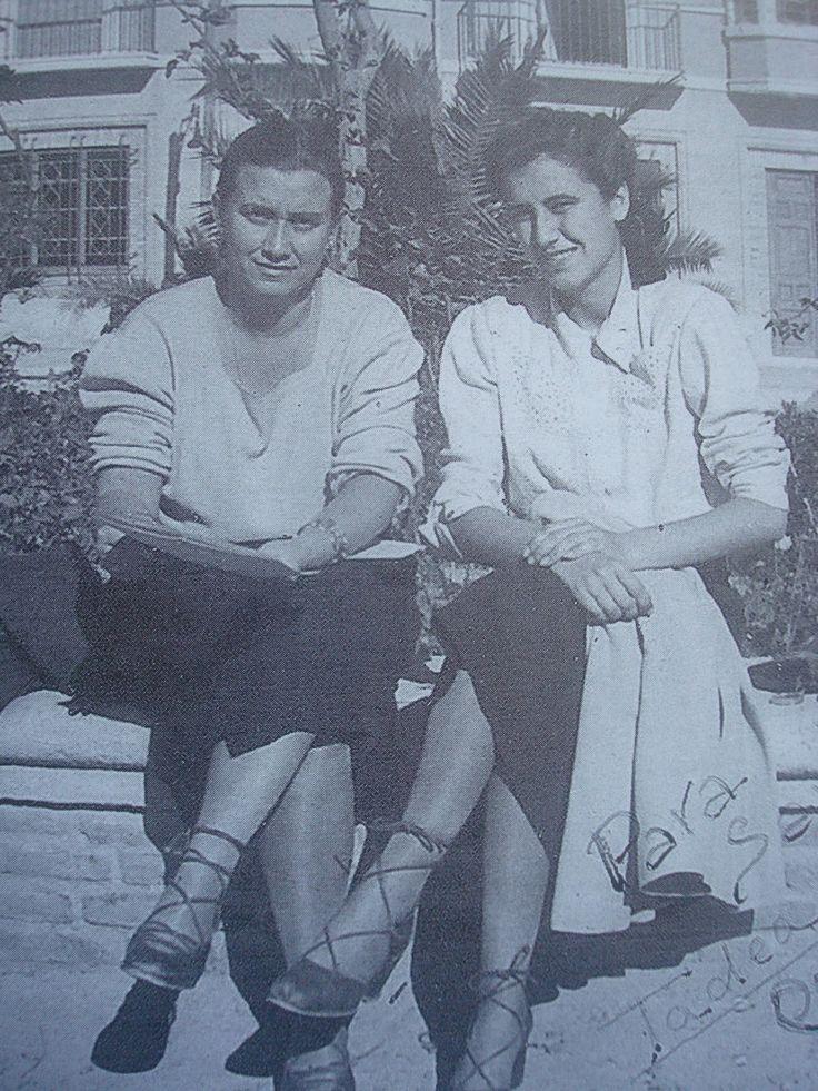 Tadea Fuentes con Celia Viñas. Antas