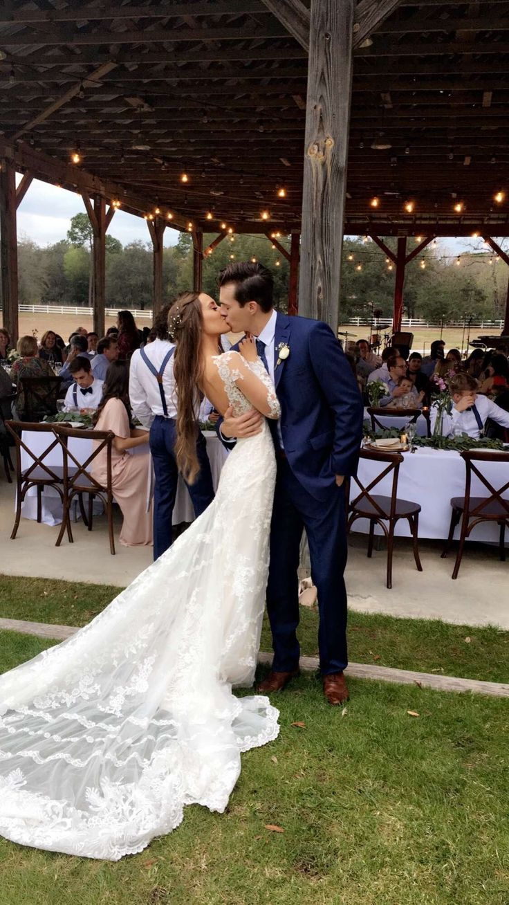 Breathtaking 25+ Best Wedding Styles Kristin Lauria https://www.fashiotopia.com/2017/09/28/25-best-wedding-styles-kristin-lauria/ Her sister has appeared within her videos. She's incredibly down-to-earth and simple to listen to so you'll definitely delight in watching her videos. So he should have dated with a lot of girls but his dating history is similar to empty