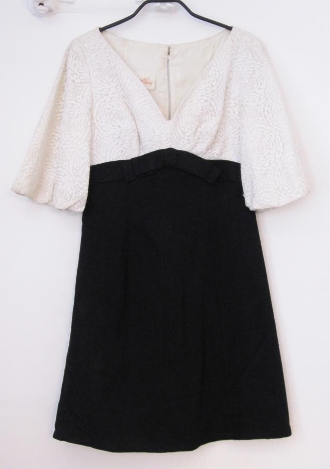 Vintage dress  Lace and linnen  Size 38  Dkk 399,-  Available in Beware of Limbo Dancers