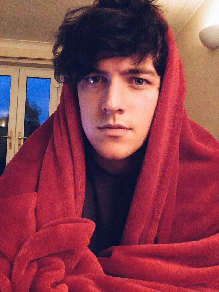 Blanket Peej..let's cuddle <-- I want a crimson blanket like his -TA