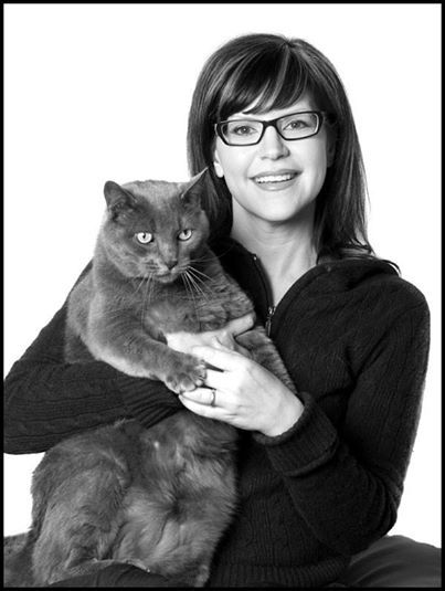 """Cats make me happy when I see them. I want to pet cats I see on the street, even if I shouldn't.""--Lisa Loeb  Catster talks to Lisa about Cats and Cat Eye Glasses! Check out the interview!"