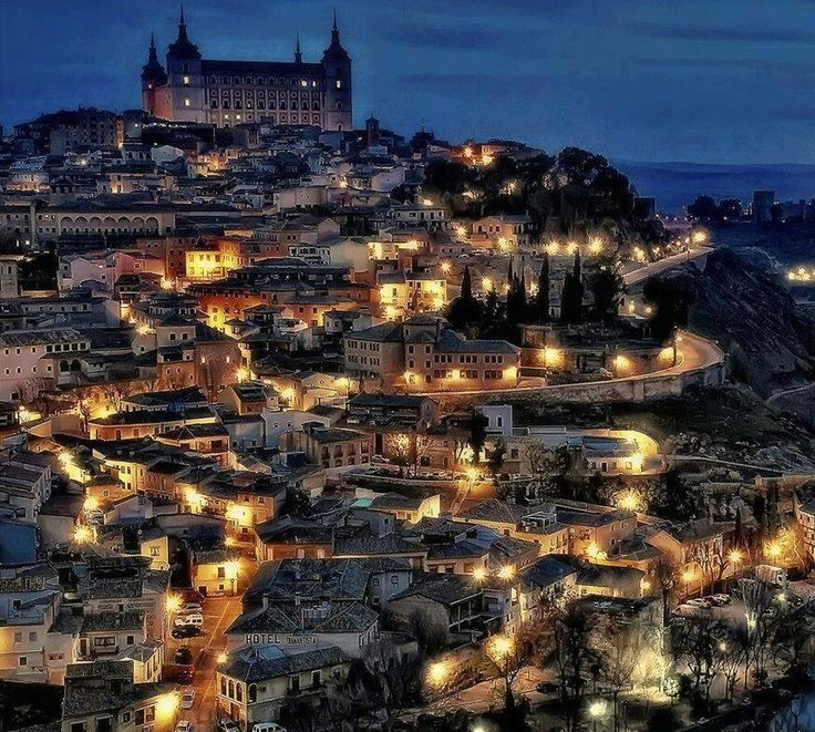 Beautiful Toledo, Spain. One of my favorite places in the world. We spent one week there visiting our friend Lola, in her beautiful home.
