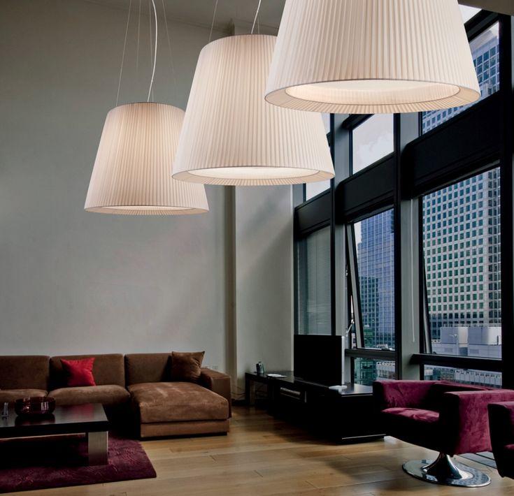 Sillux IL CAIRO lámpák. A hatalmas lámpaernyők meghatározó elemei lesznek a térnek. Design: CIERRESTUDIO