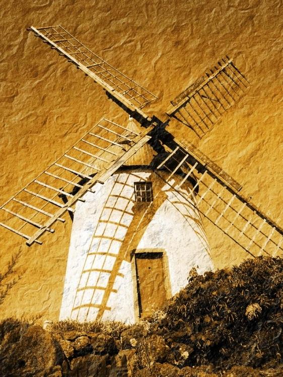 Moinho Amarrotado | Fotografia de Tatiana Tavares Branco | Olhares.com