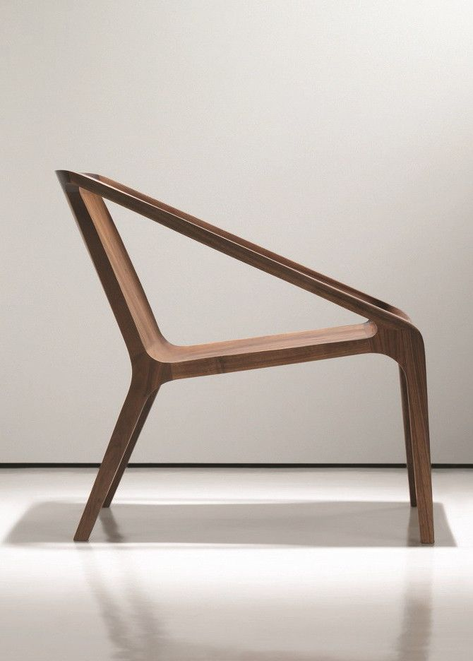 Wooden easy #chair with armrests LOFT by NURUS | #design Shelly Shelly #wood