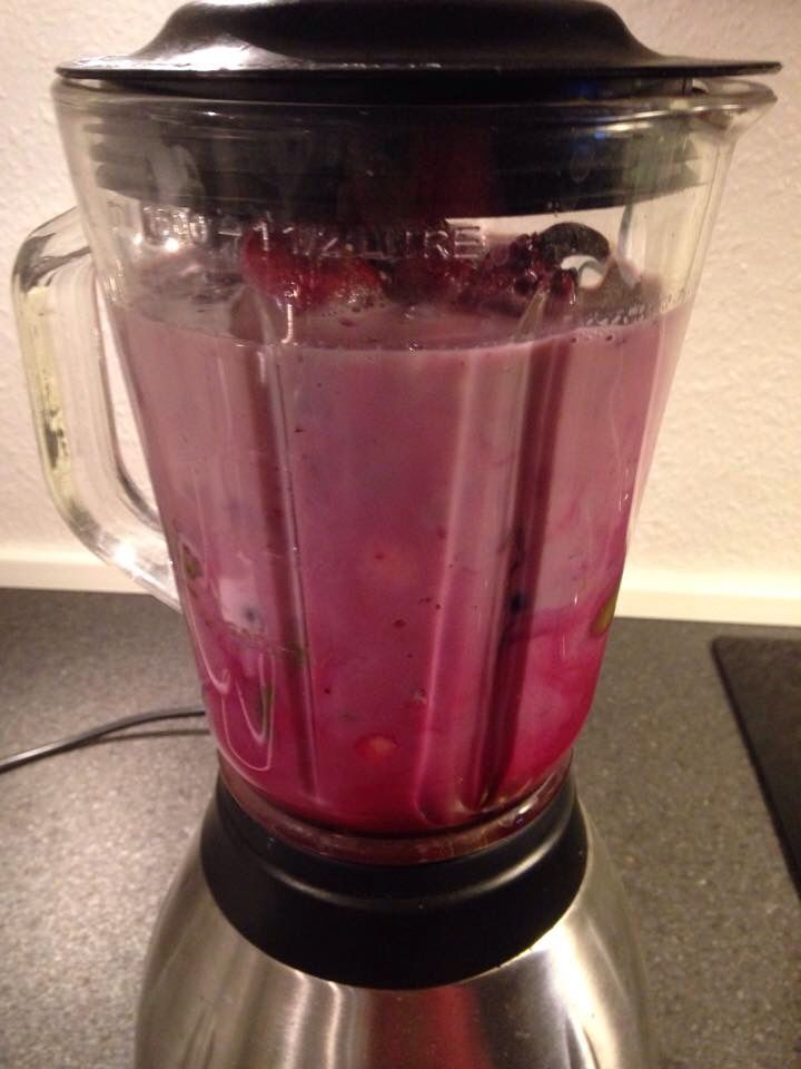 Berry-Beet #breakfast #smoothie : #acaiberry #raspberry #strawberry #banana #avocado #beetjuice #almondmilk #water  Rich in Vitamin A,Vitamin C, Vitamin B2, Vitamin B3,Vitamin B5,Vitamin B6,Folate,Vitamin E,Vitamin K,Calcium,Copper,Magnesium,Manganese, Phosphorus & Potassium!  #food #plantbased #plantfood #plantnutrition #plantbasednutrition  #diet #nutrition #health #berries #beetroot #smoothies