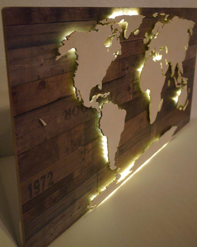 Beleuchtete XXL Weltkarte aus Holz (Vintage LED)