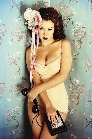 Jennifer Tilly.  My idol.
