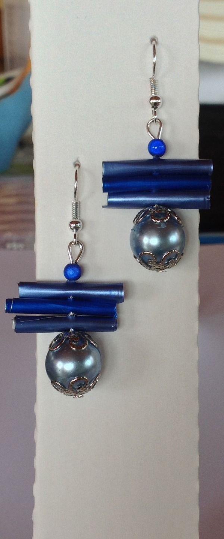 Boucles d'oreilles bleues perles et rouleaux capsules nespresso : Boucles d'oreille par mariecrea