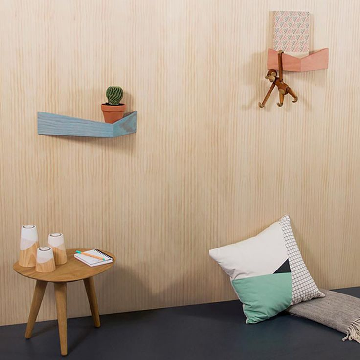 Checkout 'Pelican S' on eksturstore.com! Made by Woodendot - Organizers in wood with 2 hidden metal hooks - Inspired by the Pelican-birds. Available in different colours.