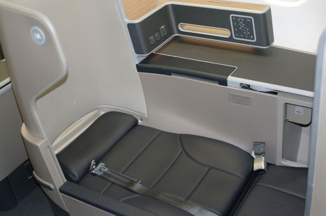 25 Best Ideas About Airbus A330 200 Seating On Pinterest