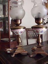 Coppia vecchie antiche lampade d'epoca in porcellana Limoges