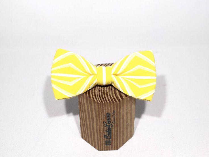 Un favorito personal de mi tienda de Etsy https://www.etsy.com/es/listing/547578702/pajarita-geometrica-hecha-a-mano-tejido