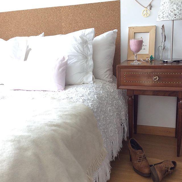Weekend! Kick off your shoes and dance... #Ruika #corkheadboard #Amorimcork #smoothie #anossamorada