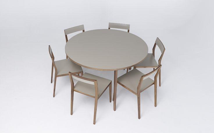 Kök köksbord hay : Runt bord i massiv trä http://www.vallaste.se/sv/matbord-k%C3 ...