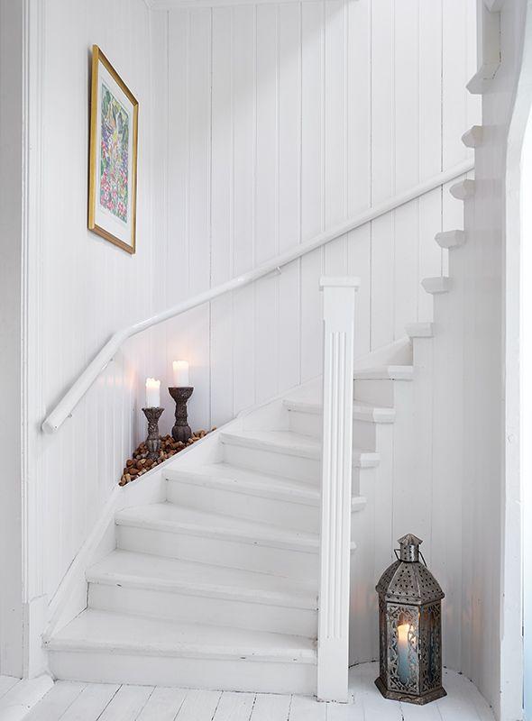 House. Countryside. Inspiration. Style. Design. Interior. White. Wooden floor. Sweden. Deco. Gothenburg. Stadshem. White. Dream house. Stairs.