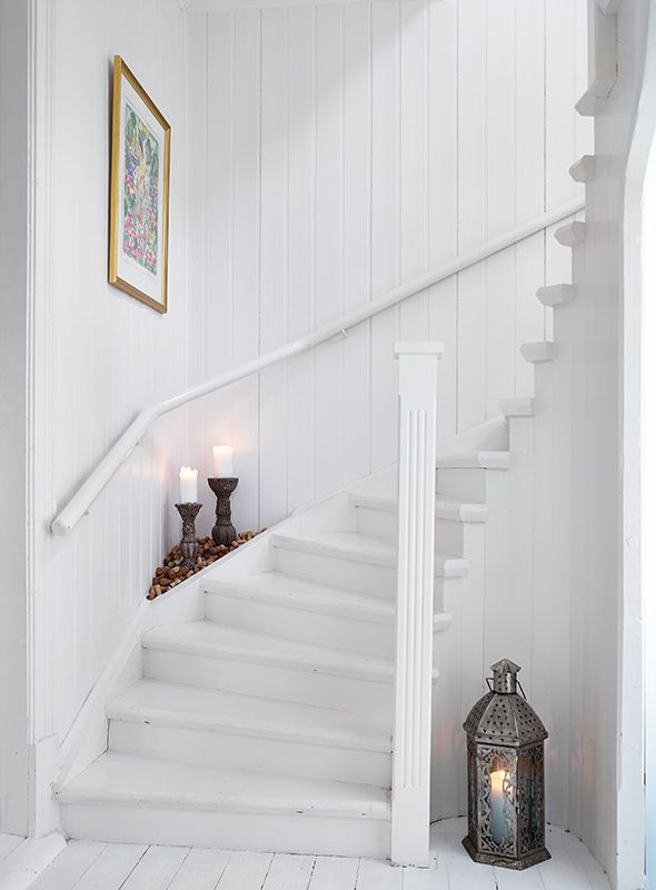 House. Countryside. Inspiration. Style. Design. Interior. White. Wooden floor. Sweden. Deco. Gothenburg. Stadshem. White. Dream house. Stairs.