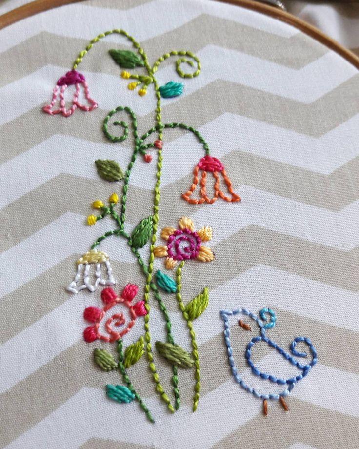 """67 curtidas, 1 comentários - Bordados Marina Mendonça (@bordadosmarinamendonca) no Instagram: """" #bordadosmarinamendonca #bordados #cores #embroidery #anchor #linhaseagulhas #arteterapia…"""""""