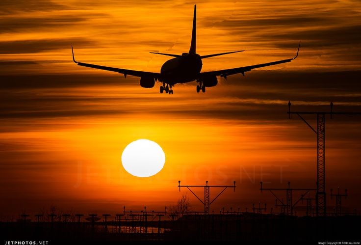 AirTran Airways Boeing 737-700 Series Landing Chicago O'hare