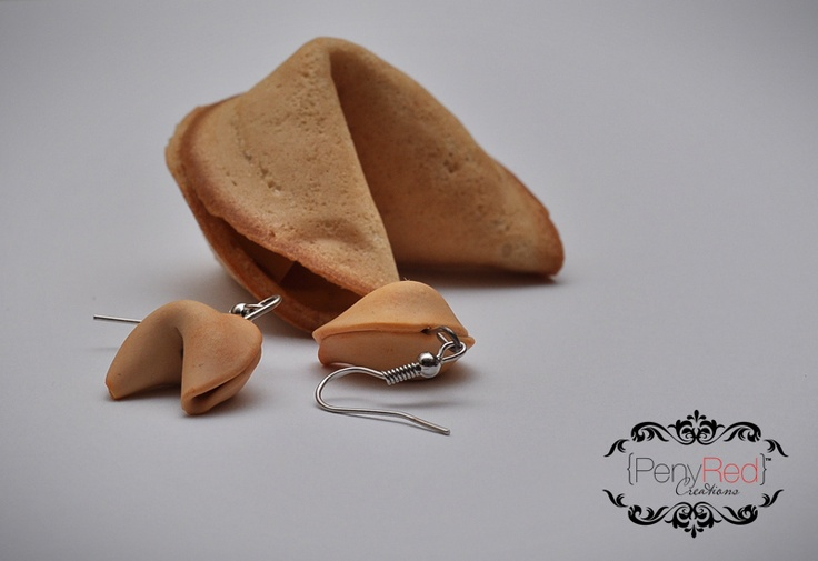 Fortune Cookies! Would you like to read your fortune today, maybe is your lucky day!!These lucky fortune cookies are approx. 2 x 2 cm, hanging on silver plated earring hooks.