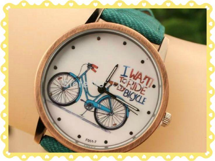 RELOJ VINTAGE BICICLETA Precio: $7.190 CLP Stock: PRONTO ARRIBO Descripción: Reloj estilo vintage, unisex, de acero inoxidable y correa de cuero.  Mecanismo: cuarzo.