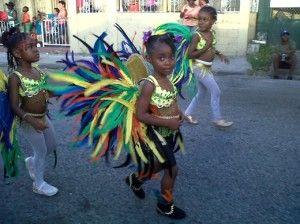 Il carnevale di Antiuga. Lella foto Sfilata-del-Carnevale-di-Antigua