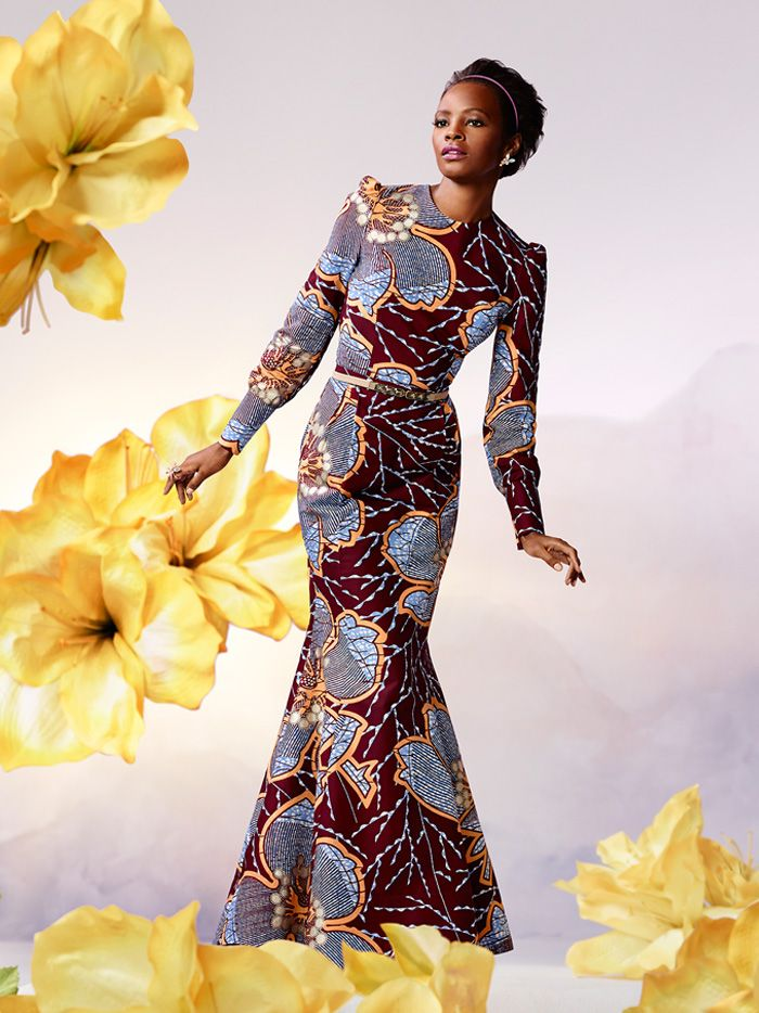 In Gambia dragen de vrouwen zeer kleurrijke kleding veelal van stoffen van Vlisco, van origine een Nederlands bedrijf. #GambianFashion Golden Silhouette | Vlisco V-Inspired