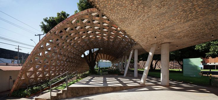 Brick lattice arch - Telethon Children's Rehabilitation Centre / Gabinete de Arquitectura