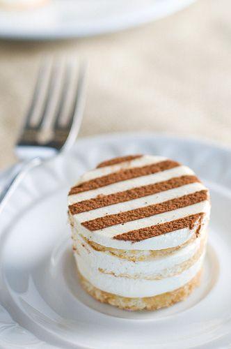 Dessert Table: Mini Tiramisu                                                                                                                                                     Mehr