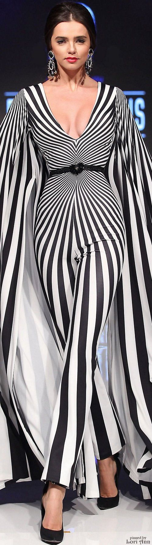 A very, very SD way to do stripes. Krachtige Glamour. Fouad Sarkis Spring 2016 RTW women fashion outfit clothing style apparel @roressclothes closet ideas