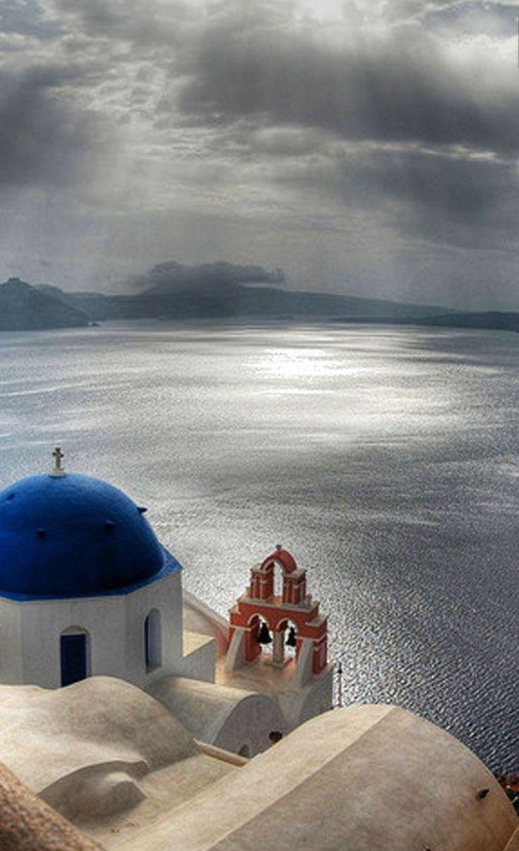 Beautiful scenery in Oia village, Santorini island, Greece. - Selected by www.oiamansion in Santorini.