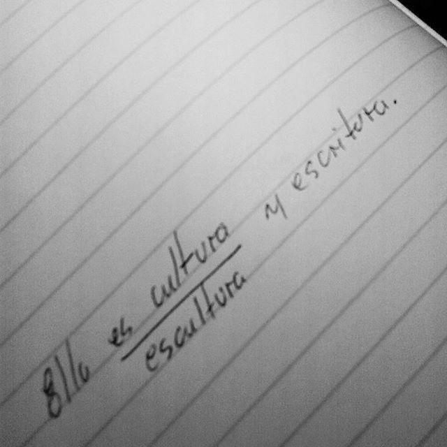 Como #TBT tengo la fórmula que la define.  Es-cultura, escritura puedes escucharlo en mi canal de youtube Crónicas de Qique. #FelizNoche #Poesía