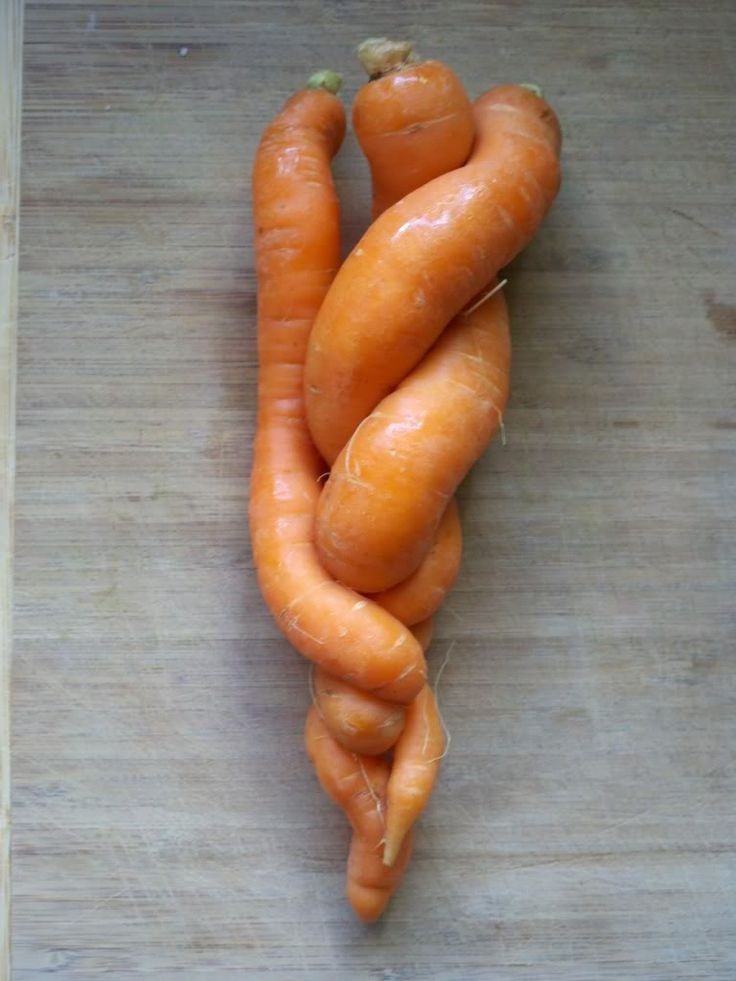 naughty carrots: Fun Food, Healthy Diet, Naughti Carrots, Living Food, Veggies Heavens, Healthy Recipes, Heavens Healthy, Random Loves, Raw Food