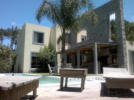 Alquiler Punta del Este. info@settleprop.com