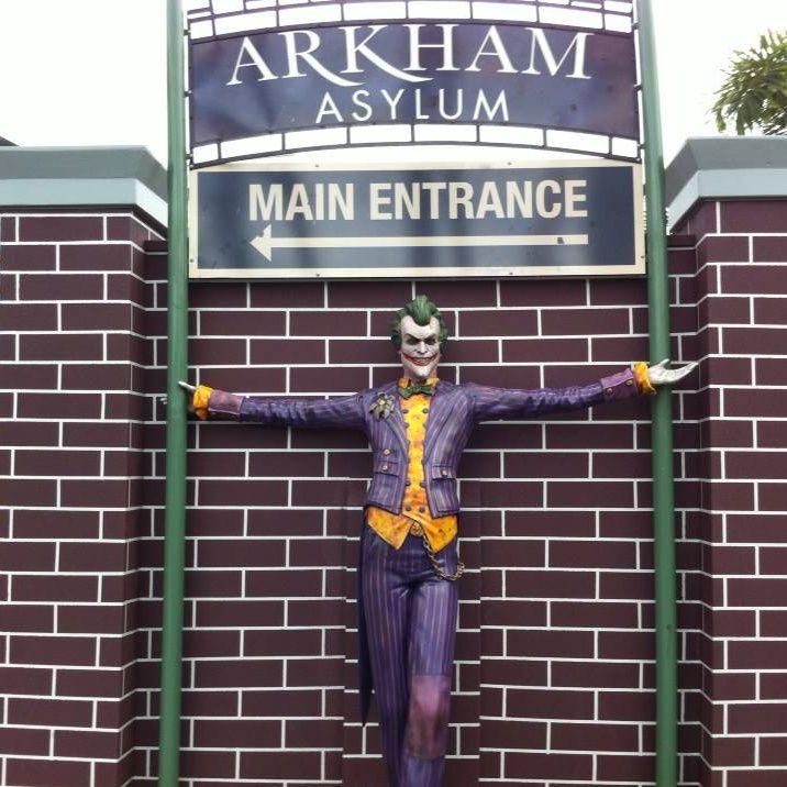 Arkham Asylum Entrance.jpg (716×716)