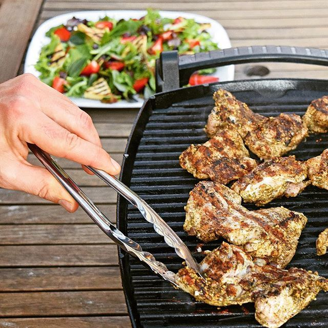 #iqs8wp Za'atar chicken with strawberry, halloumi and olive salad.  #iqs