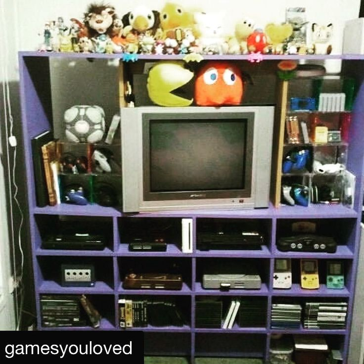 #Repost @gamesyouloved with @repostapp  Sweet as! #GYLshelfie by Ixzianna  What are your #gaming shelves like?  #retrogaming #retrogamer #retrocollective