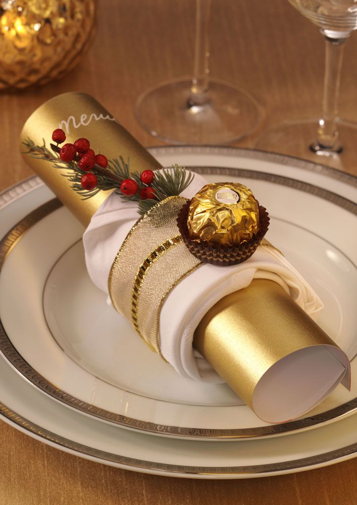 Napkin deco - ART DE LA TABLE - Un menu qui saura impressionner vos invités. (Diy Christmas Crackers)
