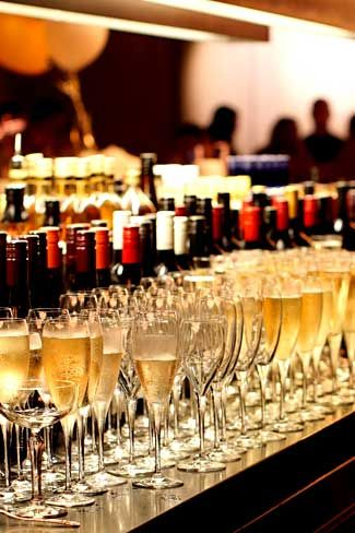 New Years Eve 2015 - Hurricanes Grill Surfers Paradise sparkling wine