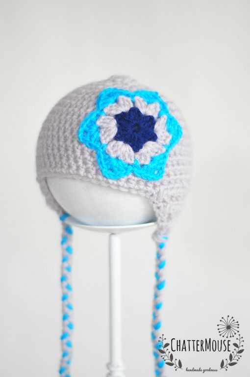 Granny Star Hat | Light grey and turquoise with a pop of navy - 100% wool - Size 3-6 months - Can be custom made in different sizes and colour combinations