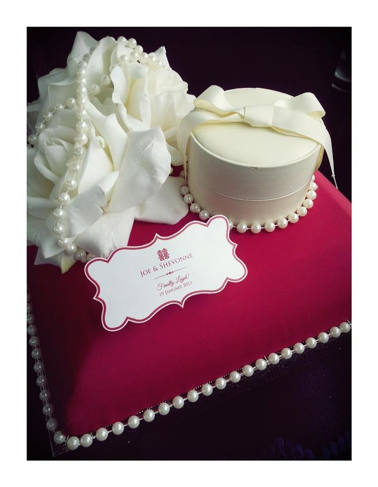 Cream & Red gift tray