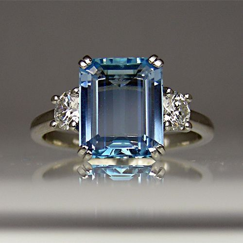 http://rubies.work/0577-emerald-rings/ Aquamarine and diamond ring in platinum. - 20 Gorgeous #Aquamarines - Style Estate -
