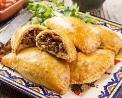Chaussons à la viande hachée (facile, rapide) - Une recette CuisineAZ