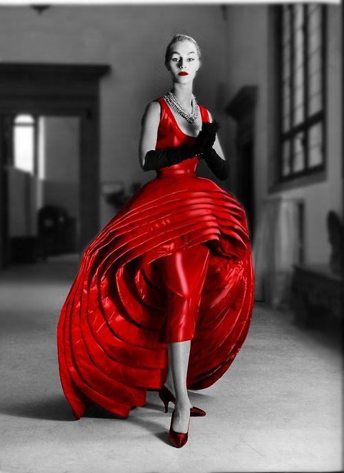 Fashion by Roberto Capucci 1956