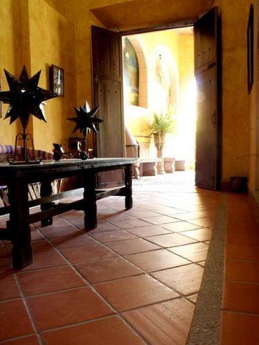 M s de 25 ideas incre bles sobre piso de barro en for Pisos rusticos para exteriores