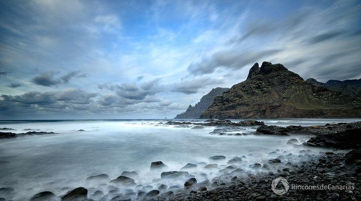 Roque Dos Hermanos. Santa Cruz de  Tenerife. Copyright © rinconesdecanarias.com