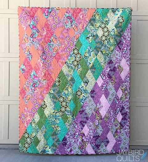 My Tula Pink Chipper Boomerang Quilt | jaybird quilts | Bloglovin'