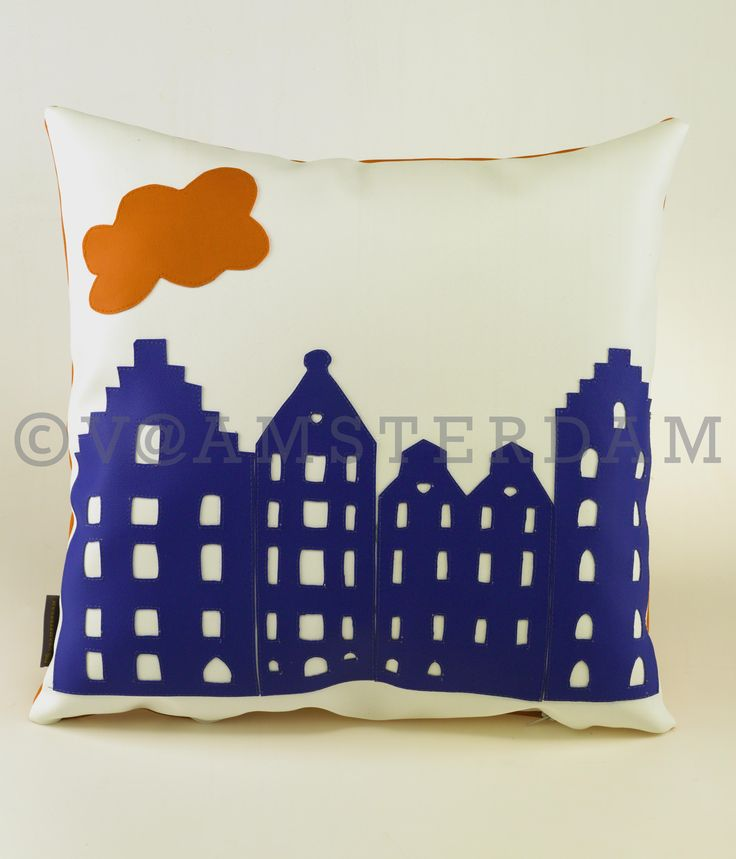 Pimp up your garden or your boat with a V@Amsterdam pillow cover and you will support a good cause. We picked the best quality of outdoor fabrics for you to make sure that they are long-lasting, color-fast and UV-resistant. Let the Dutch wind blow, no matter if it rains or freezes. This pillow-cover was inspired by …