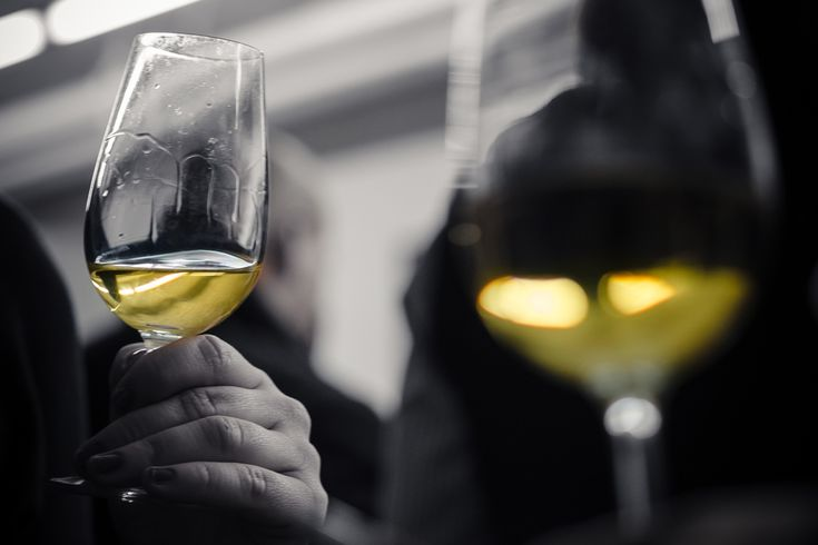 Best Buttery Chardonnay Wines – 10 Recommendations
