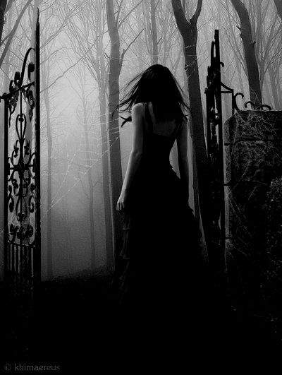Midnight dreams ☽ dreamy dramatic black and white photography gothic maiden